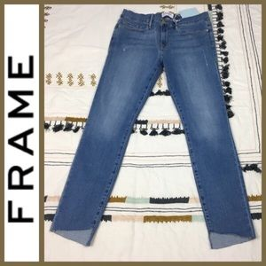 NWT! [FRAME] Le Skinny de Jeanne Mid Rise Jeans 30